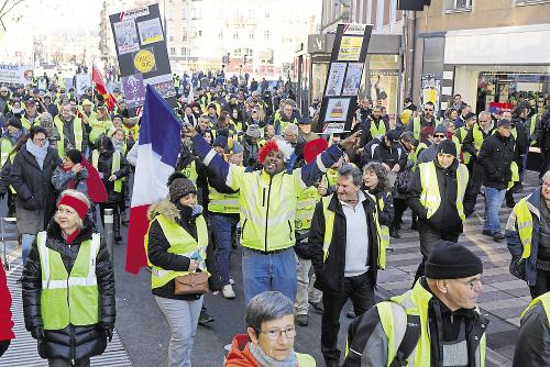 How The Yellow Vests Are Reinventing French Politics Peace News